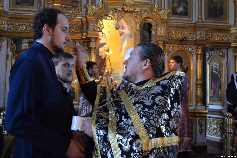 чью память православная церковь совершает 1 марта надевают колготки тонкое